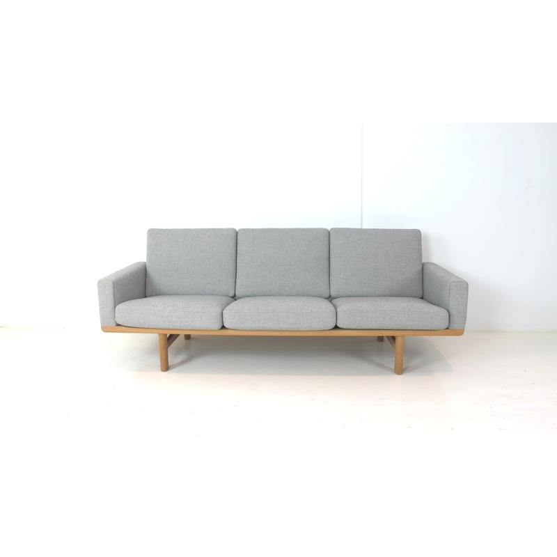 Hans Wegner Ge 236 Sofa Getama Danish Red