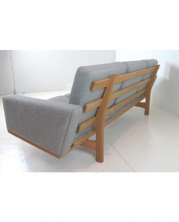 Hans Wegner GE 236 3-Seat Sofa - back