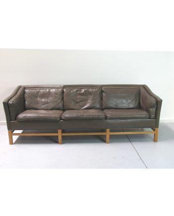 Vintage Grandt Sofa front