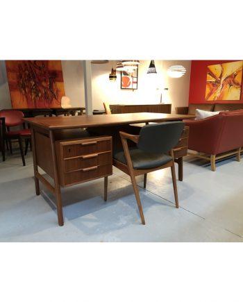 Vintage OMANN JUN Teak desk. Model 75. Designed by Gunni Omann