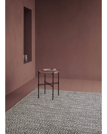 Linie Design LABYRINTHE rug Dark Blue in situ