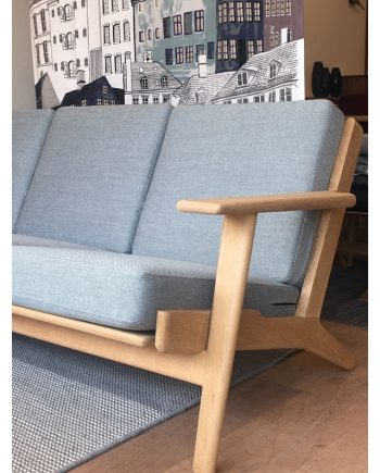 Vintage. Hans Wegner Plank 3seat sofa