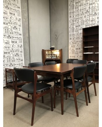 Gunni Omann Model 54 Extension Table in Rosewood with Erik Buch chairs